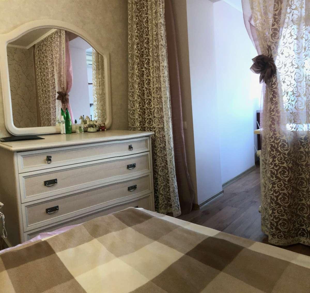 Квартира на продажу по адресу Россия, Республика Крым, Грэсовский, ул. Грэсовская, 26